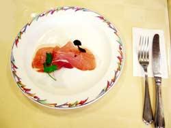山口県山口市 イタリア風レストランフィオーレ 生ハムフルーツ添え